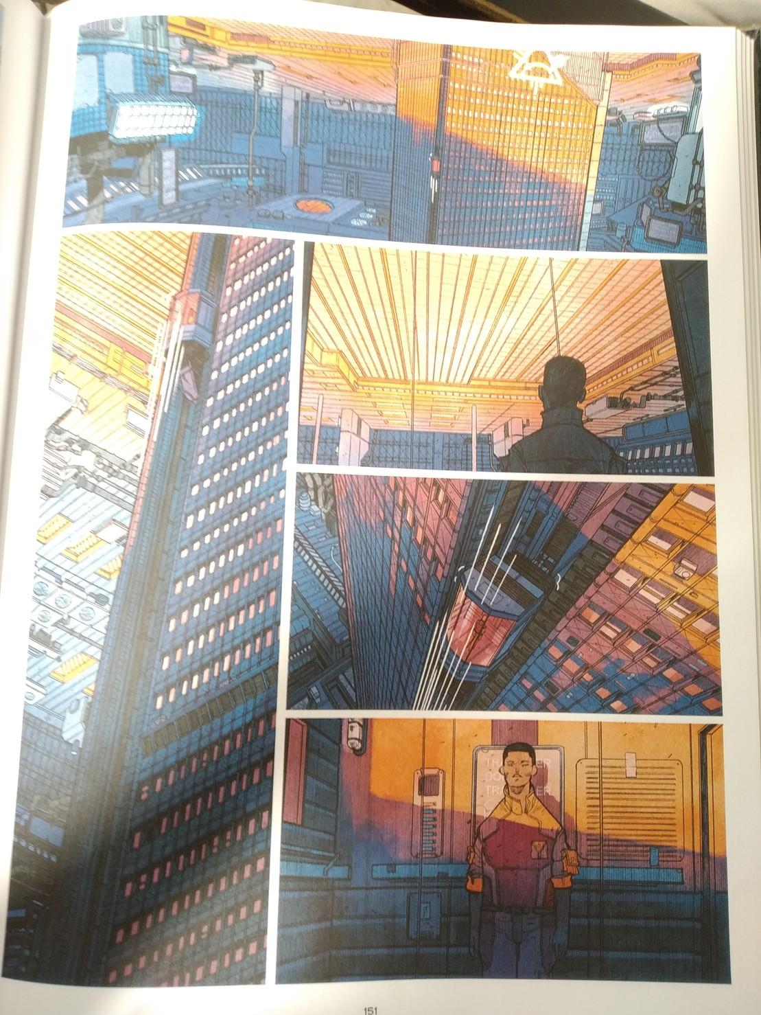 Page de la BD Shangri-La. Intérieur d'une station spatiale, toute en orange et bleu.